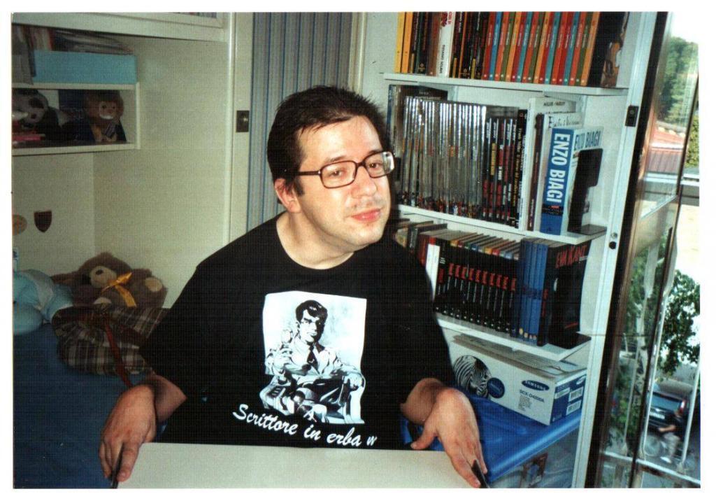 Sergio con maglietta Mr. Noir - Compleanno 2008